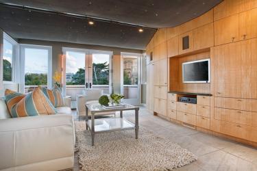 San Francisco TV Room Architecture